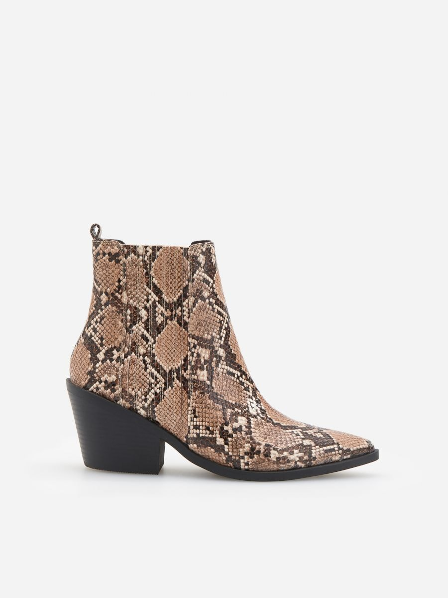 fc1d54056dde Nakupujte online! Členkové topánky s efektom hadej kože