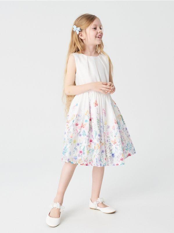 c98f296cc348 Čipkované šaty s krátkymi rukávmi · Kvetované šaty - biela - WG767-00X -  RESERVED