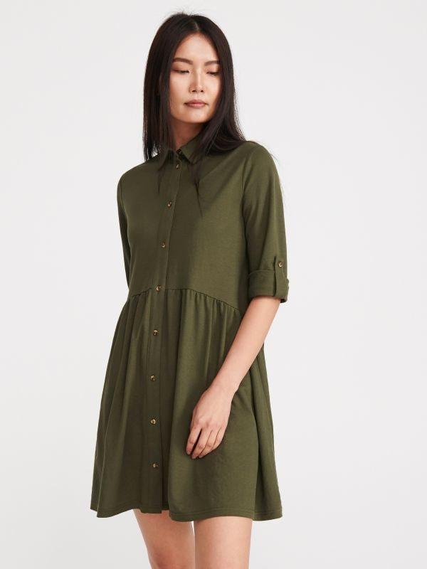 95a81dc760bf Nakupujte online! Šaty – módní střihy pouze v RESERVED